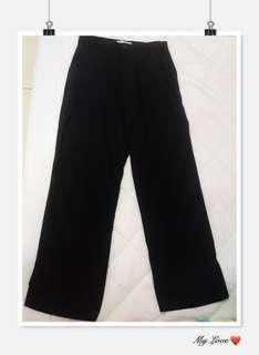 🚚 黑色 寬褲 下擺有切口造型