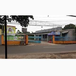 Dijual Cepat Tanah dan Bangunan Cocok untuk Ruang Usaha Lokasi Pinggir Jalan Raya Mabes Hankam Cipayung Jakarta Timur