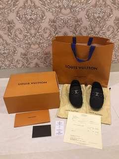 Louis Vuitton men shoes size 6