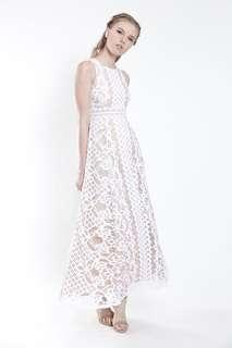 🚚 VGY Krista Jewel Necklace Soft Lace Maxi Dress in White