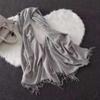 灰色 頸巾