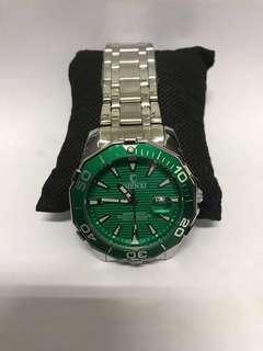 🚚 Watches
