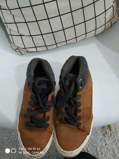 Zara shoes (size 33) harga pas. Like new