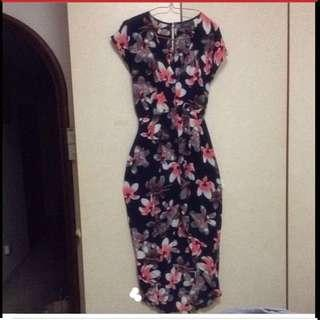 $89 Sexy V-Neck Hibiscus Flowers Elegant Latino Dress ( Brand New)