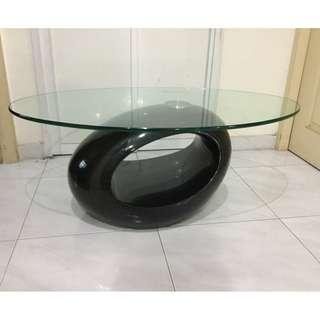 Contemporary design glass top coffee table