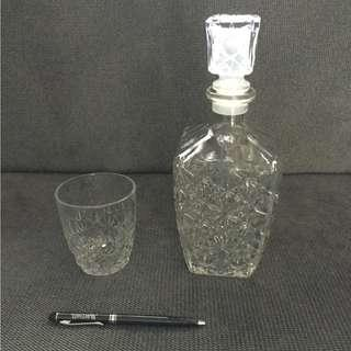 Wine glass decanter with a glass