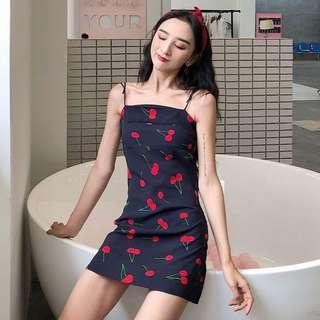 🚚 🍑: cherry dress