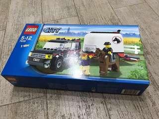 MISB Lego City Farm 4WD with horse trailer (RETIRED)