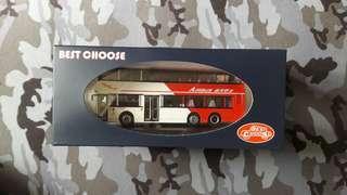 1/76 龍運富豪奧林比安11米巴士模型