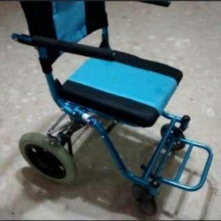 🚚 Nice Compact Lightweight Wheelchair