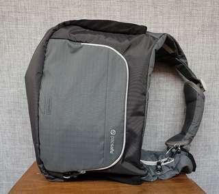Pacsafe camera sling bag venture v12