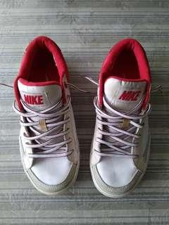 Nike Sneakers (Not Adidas / Coach / Crumpler / Skechers).
