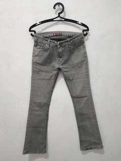 Celana jeans stainlee abu