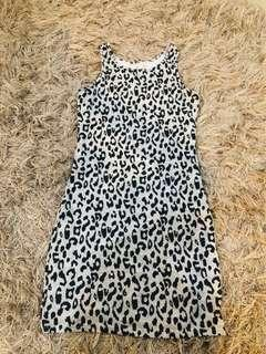 Leopards bodycon dress