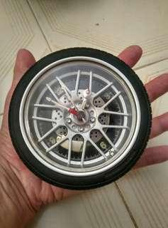Blessing Tyre clock : exchange for 1 box of tissues