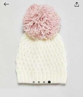 米白色冷帽 white beanie hat with pink ball