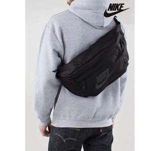 🚚 INSTOCK BLACK CROSSBODY BAG