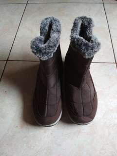 Boots Winter Salju