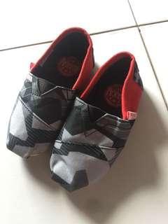 New!! Never been used .. sepatu santai Wakai anak size 23