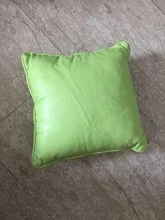 🚚 Green cushion brand new 28cm x 28cm