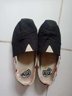 Wakai Shoes black