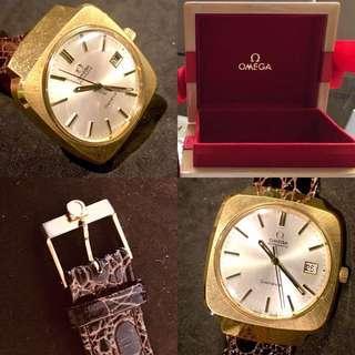 60/70年代 亞米加Cal 1481(日內瓦系列)機械自動超大(37.5mm)腕錶 Rare Vintage Omega Geneve Cal 1481 Automatic Oversize (37.5mm) Wristwatch : 100% Original Dial/Movement/20 microns GP Case/Buckle in working condition 原裝錶面/自動機芯/20 microns 包金錶殼(罕有保存新淨),特闊錶耳20mm,原裝亞米加帶扣及錶盒,運作正常。
