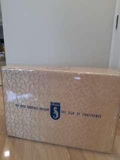 Portable mattress (foldable)