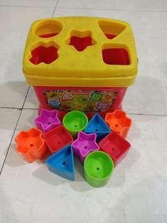 Mainan anak fisher price shape