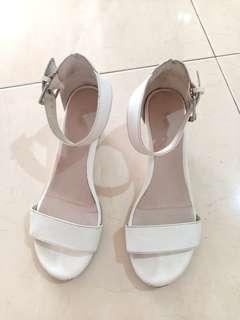 FIONI White Wedges