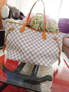 PRE-LOVED LV DAMIER AZUR MM NEVERFULL