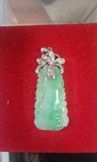 🚚 Grade A jade very good pices with 18k holder white or yellow gold