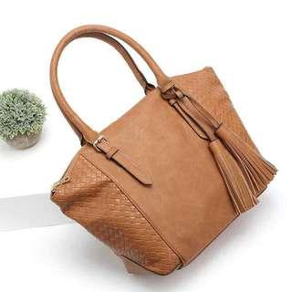C&A leather bag