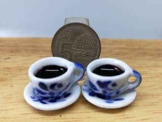 🚚 Dollhouse Miniature : 2 small cups of coffee with matching saucer
