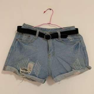 🚚 高腰刷破短褲(附皮帶)