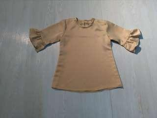 Blouse satin girl 2-3 years like new