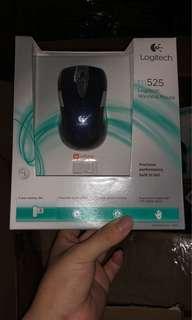 Logitech m525 mouse 全新連盒