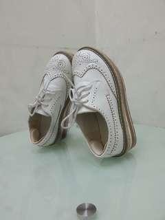 增高鞋 鬆糕鞋 95% 白色 合34.5-35碼朋友