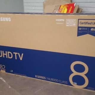 SAMSUNG 82INCH TV BOX