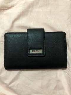 Clutch wallet with mirror