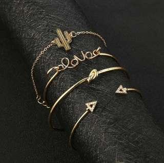 🚚 4-piece minimalist gold bracelet set