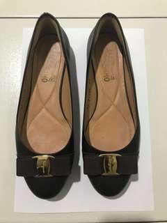 Salvatore Ferragamo Shoes - size 8C