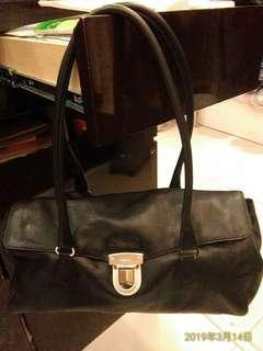 Prada 黑色 真皮 二式 簡約現代 提肩包
