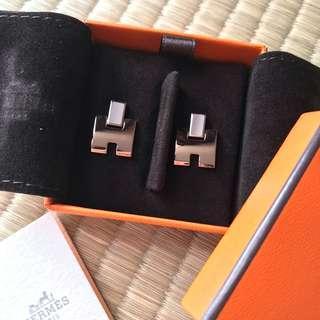 BNIB Hermes Earrings with Receipt