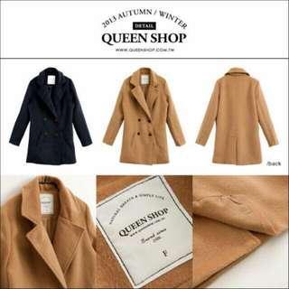 全新Queen Shop~韓版雙排釦毛料修身長大衣外套~焦糖駝色~可pc~毛很好摸