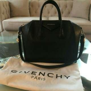 Authe Givenchy Antigona Black