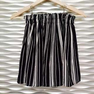 🚚 黑白直條紋雪紡短褲裙