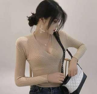🚚 Nude wrap knit top