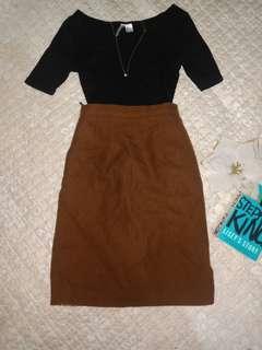 Branded Browm HW skirt Below The Knee