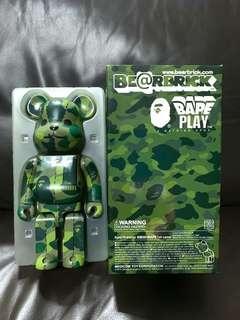 🚚 Bape Green Camo Bathing Ape 400% Bearbrick