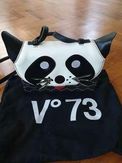 🚚 Italian brand V73 Animal Sling Bag